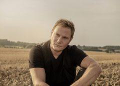 Der Schauspieler und Musiker Fabian Harloff veröffentlicht sein erstes Country-Music-Album